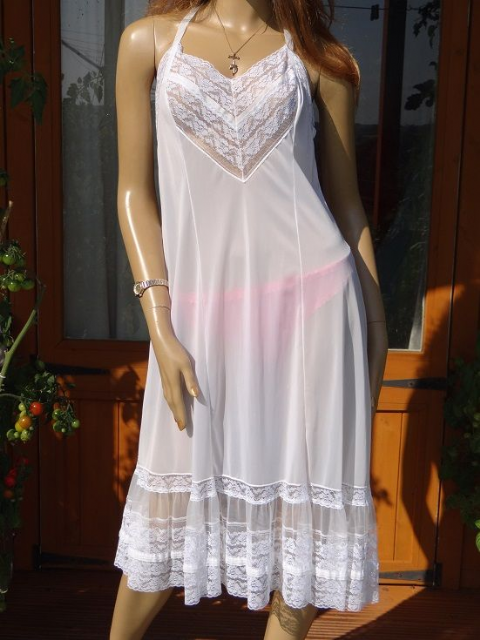 "GENUINE VINTAGE ""ST.MICHAEL"" WHITE SILKY NYLON FULL SLIP  size:-40  #W132"